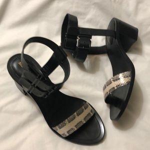 Pour la Victorio Sandals